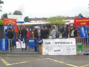 NUT and NASUWT picket line